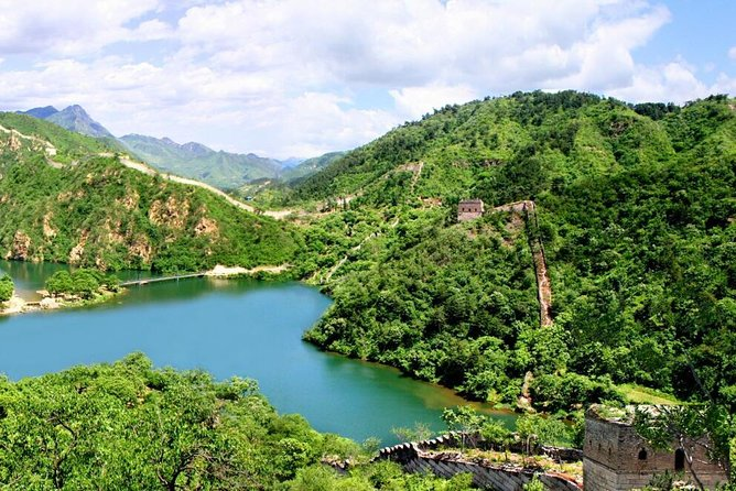 Private Hiking Day Tour to Huanghuacheng Water Great Wall