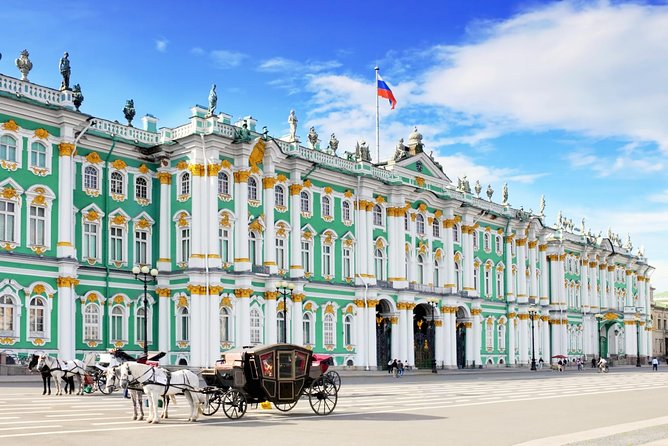 St. Petersburg pathfinders 1 day active walking tour