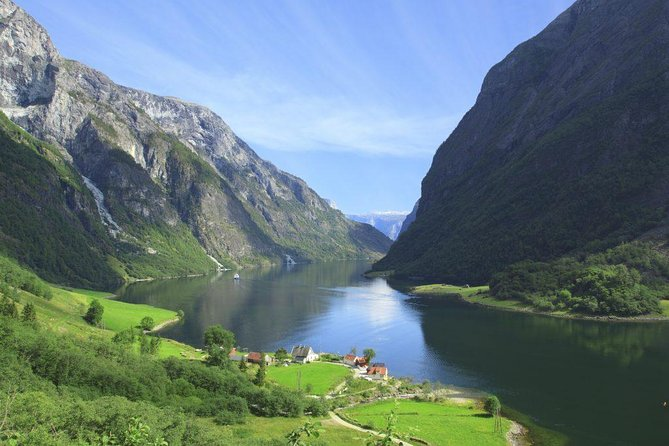 Private Full-Day Round Trip from Oslo to Sognefjord via Flåm Railway