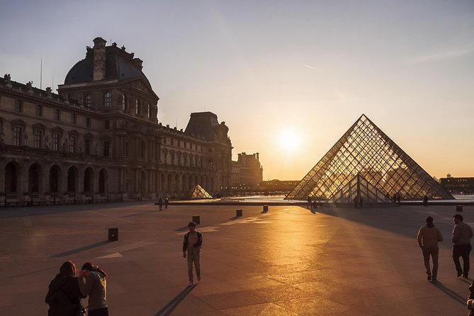 Group or Private Louvre Highlights Tour: Mona Lisa, Venus de Milo & Crown Jewels