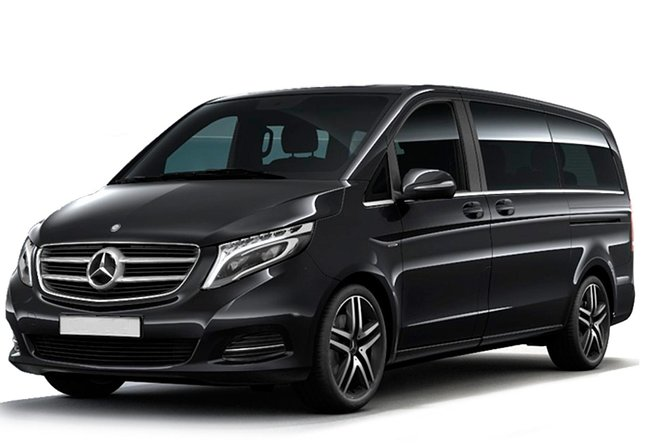 Transfer Service from/to the Airport of Gran Canaria 5-8 people