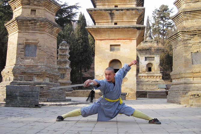Private Day Tour to Zhongyue Temple and Shaolin Temple from Luoyang