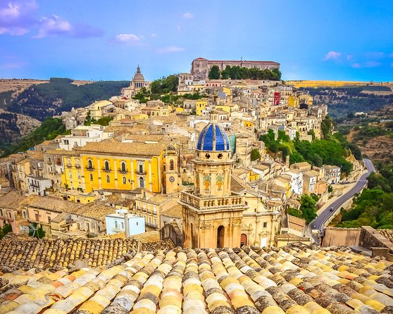 Meet Montalbano! Tour FD from Syracuse to Ragusa, Modica and Puntasecca