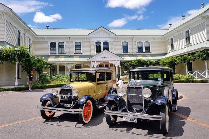 Shore Excursion: Napier Sightseeing - Vintage Car