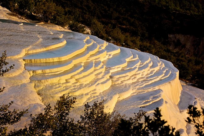 Shangri-la Luxury Day Trip to White-Water Terraces & Tiger Leaping Gorge