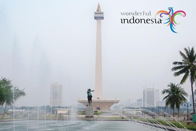 City Tour with Guide and lunch: Get to know Jakarta more closely
