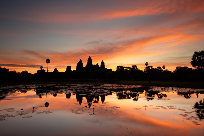 Full day Angkor Sunrise Bike Tour Inclusive of Jungle Breakfast & Lunch