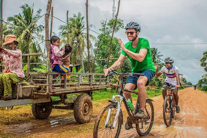 Siem Reap Guided Countryside Bike Ride Inclusive of Local Snacks