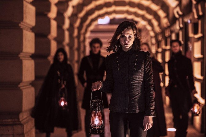 Night-Time Dark History and Vampire Walking Tour in Buda Castle District