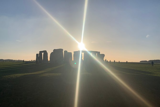 Private Day Tour to Stonehenge, Bath and The Cotswolds
