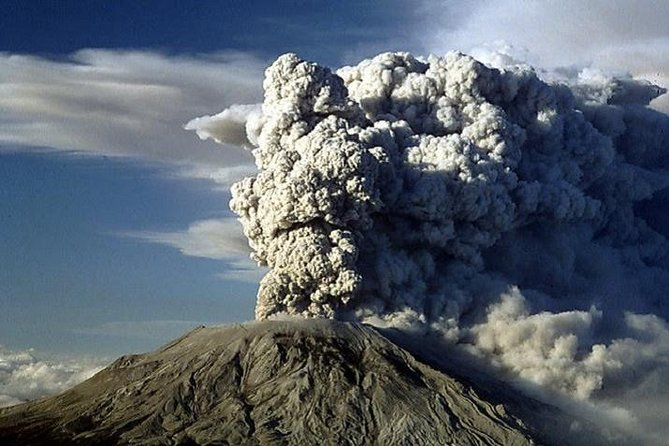 Mt. St. Helens National Monument from Seattle: All-Inclusive Small Group Day Tour
