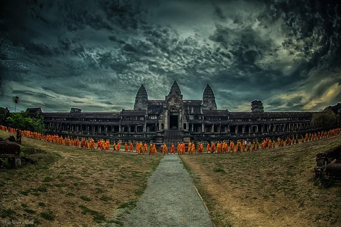 1-Day Angkor Wat Small Circuit & Banteay Srei Tour