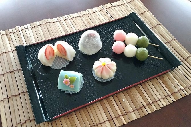 Japanese Sweets (Mochi & Nerikiri) making at a Private Home in Tokyo