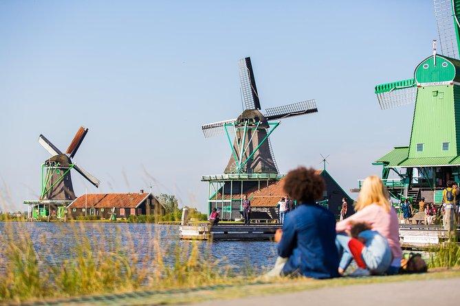 Viagem diurna pelos moinhos holandeses e a zona rural saindo de Amsterdã, incluindo degustação de queijos em Volendam