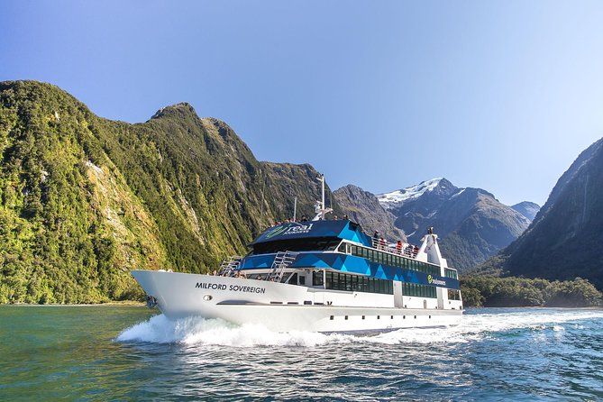 Milford Sound Scenic Cruise from Queenstown, Te Anau or Milford Sound