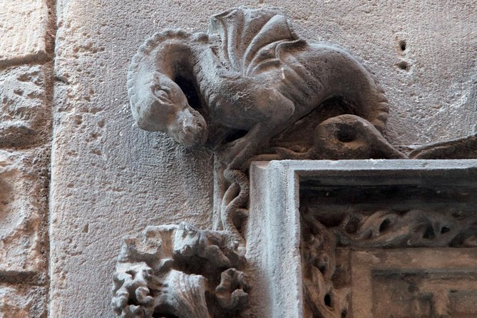 Barcelona, Stories and Legends of the Gothic Quarter