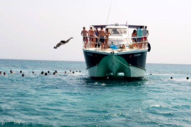 Rent your Catamaran for a trip to Islas del Rosario