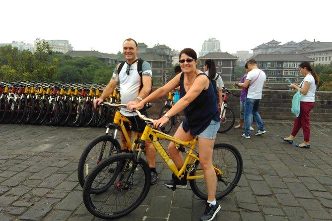 Xi'an Morning Tour: City Wall South Gate Åpningsceremoni og sykkeltur