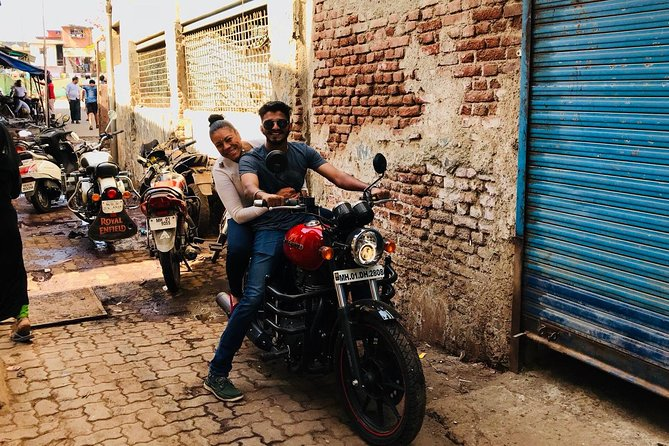 Guided Bombay To Mumbai Moterbike Tour