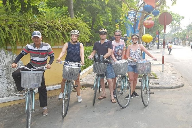 Hoi An Cycling Around Villages with Basket boat, Cooking Lass & Foot Massage