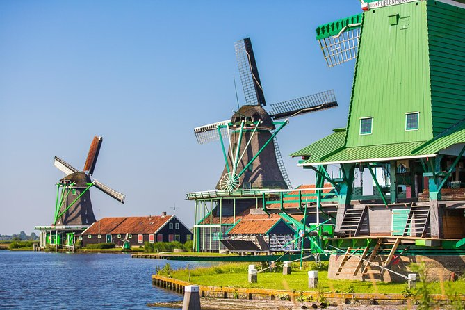 Amsterdam Super Saver: Hop-on Hop-off Bus, 1-hr Canal Cruise and Volendam, Marken & Windmills Tour