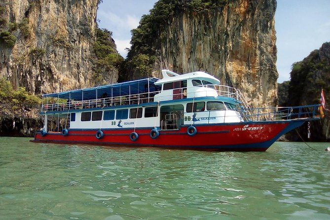 Phang Nga Bay by Big Boat including Buffet Lunch from Phuket