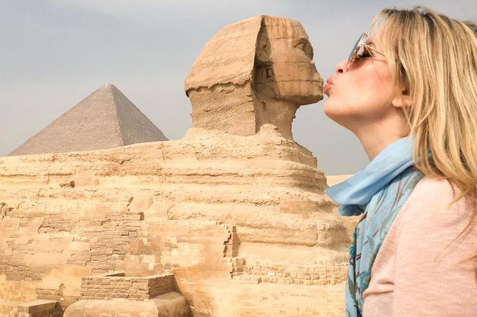 Best of Cairo:The Pyramids of Giza to the Egyptian Museum and Bazaar