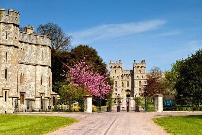 Windsor Castle, Stonehenge, Salisbury and City of Bath Tour
