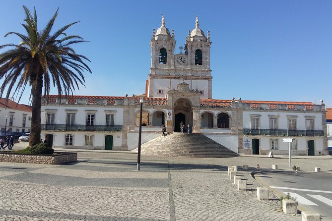 Private Tour Fátima - Nazaré - Batalha - Óbidos (10h) photo 2