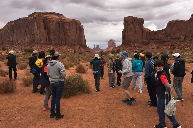 Monument Valley Backcountry Tour