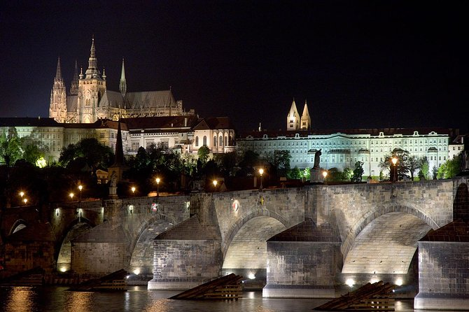 48 hours Prague Bus Hop on Hop off and Castle tour