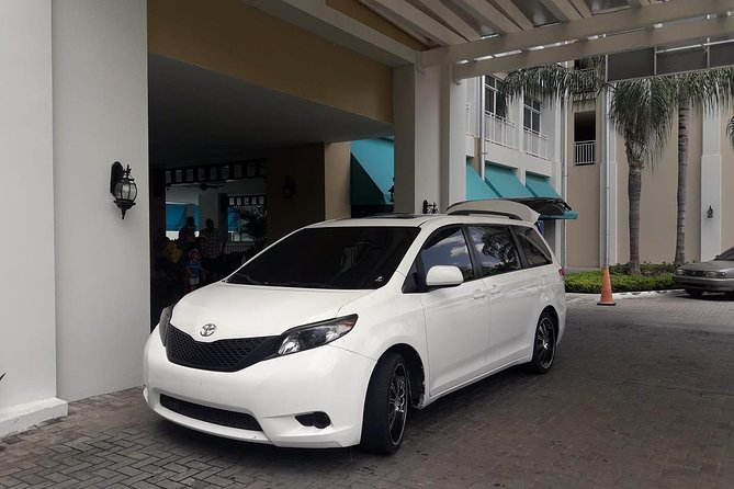 Airport/hotel pickup or drop off service
