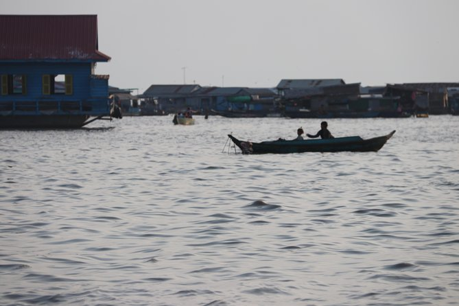 Guided Floating Village Boat Tour in Siem Reap photo 10
