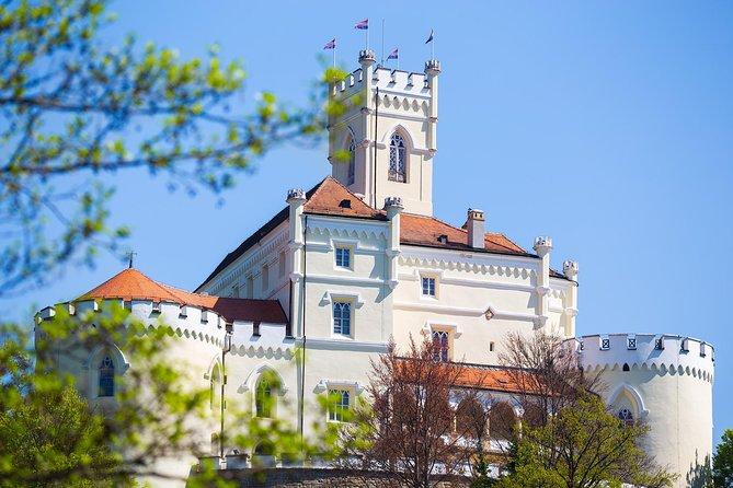 Full-Day Zagorje Medieval Castles and Varazdin Photo Tour from Zagreb