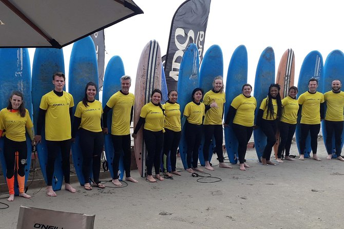 Private Full-Day Surfing and Wine Tour from Santiago
