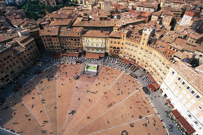 Siena and San Gimignano: Small-Group Tour with Lunch from Florence