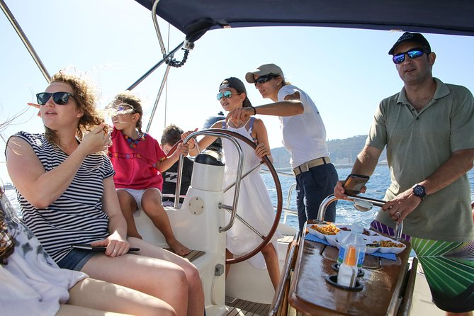 Sailing Experience Barcelona Marina Port Vell por 1,5 or 2 hours option