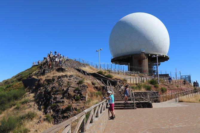 Excursão em 4x4 com teto aberto pelo Vale das Freiras e Pico do Arieiro