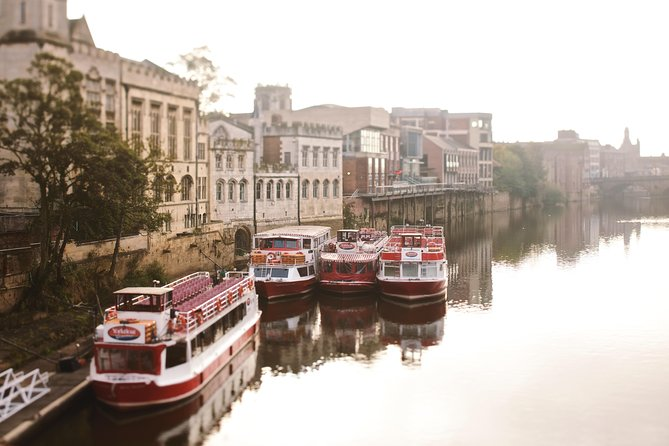 Private Walking Tour: York City Highlights and York Minster