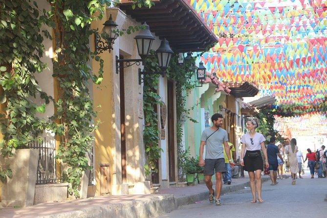 Cartagena Old City Walking Tour including Gold Museum and Plaza de Bolivar