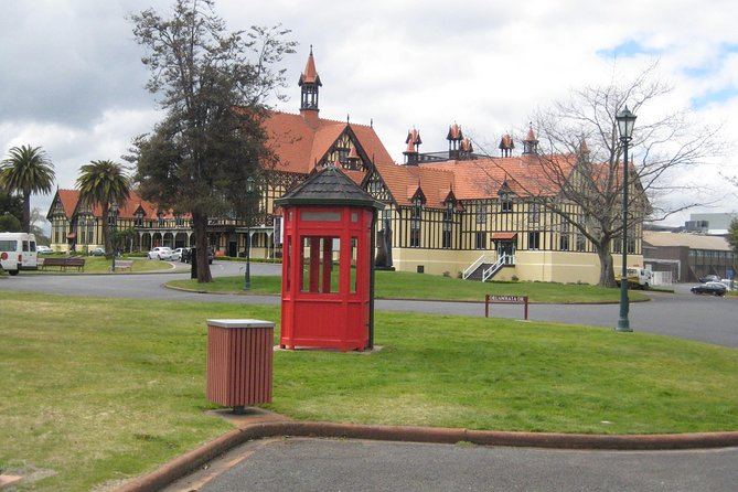 Rotorua Sightseeing Tour - Discover Rotorua's top sights in 1.5 hours
