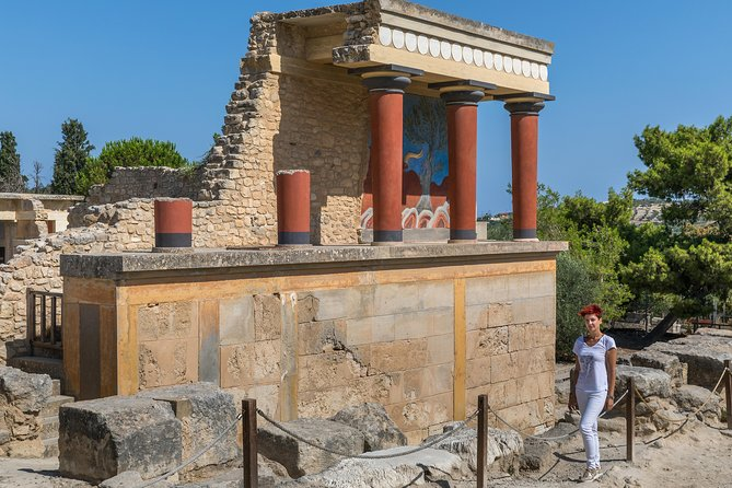 Knossos palace, Heraklion walking-tasting tour & Arch. museum of Heraklion photo 14