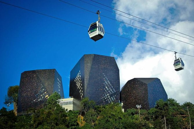 Medellin 4-hour city Sightseeing Tour with Plaza de Botero and Antioquia Museum