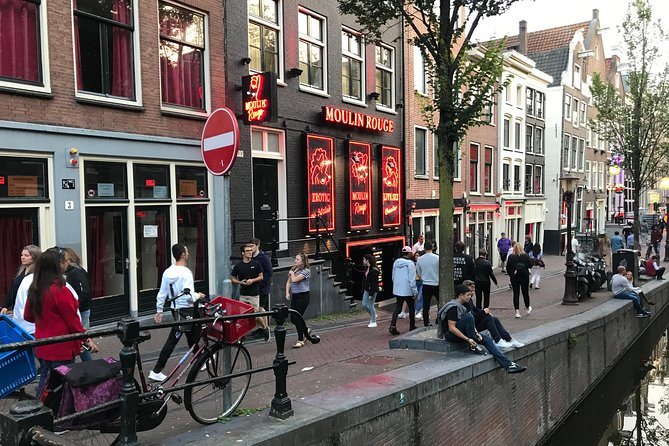 Private Tour: Amsterdam Red Light District and Coffee Shop Tour