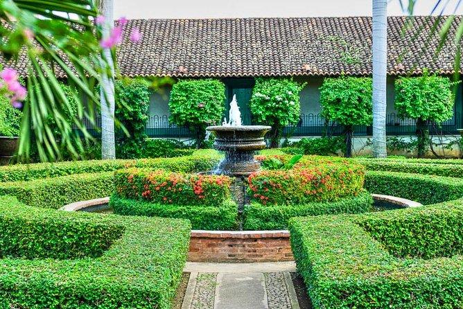 Courtyard of Colonial Hotel El Convento in Leon