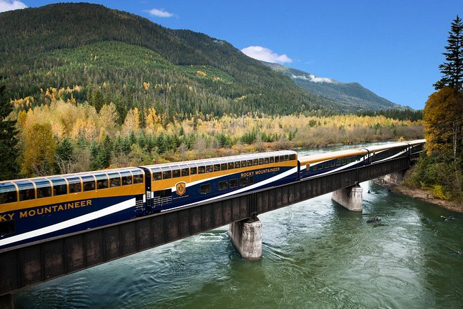 Ultimate 9-Day Canadian Rockies Rail Tour from Vancouver Aboard the Rocky Mountaineer