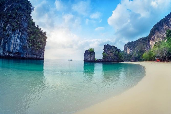 Hong Islands Full-day Tour from Krabi with Lunch