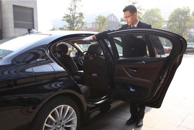 Private Transfer From City to Shanghai Pudong International Airport