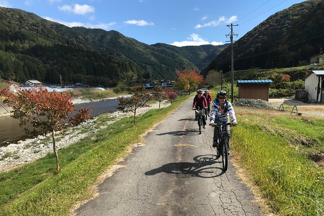Half Day Rural E-Bike Tour in Hida