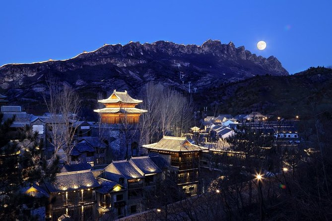 Jinshanling Great Wall Private Tour with Gubei Water Town and Sunset on Simatai photo 1